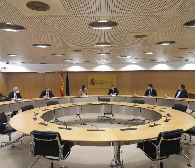 La Plataforma contra los Aranceles piden su retirada inmediata y medidas compensatorias
