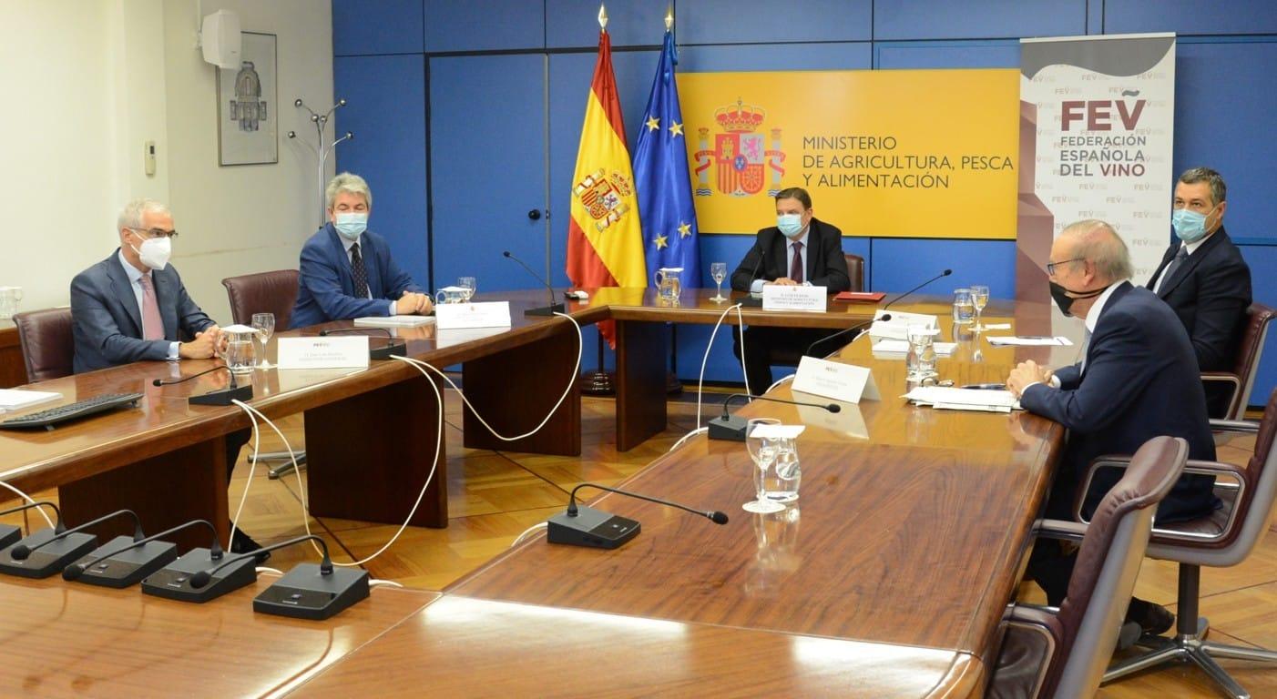 Miguel A. Torres deja paso a Emilio Restoy en la Presidencia de la FEV