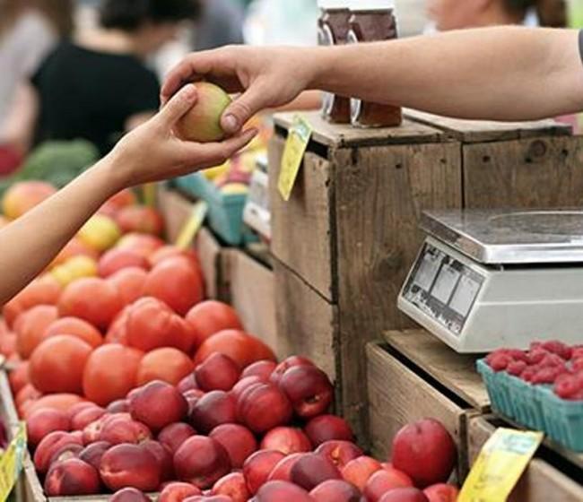 La distribución hace su agosto con los precios de las frutas frescas en el IPC de octubre