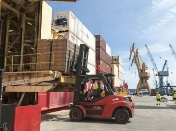 El superávit del comercio exterior agroalimentario se acercó a 12.600 M€ en los nueve primeros meses