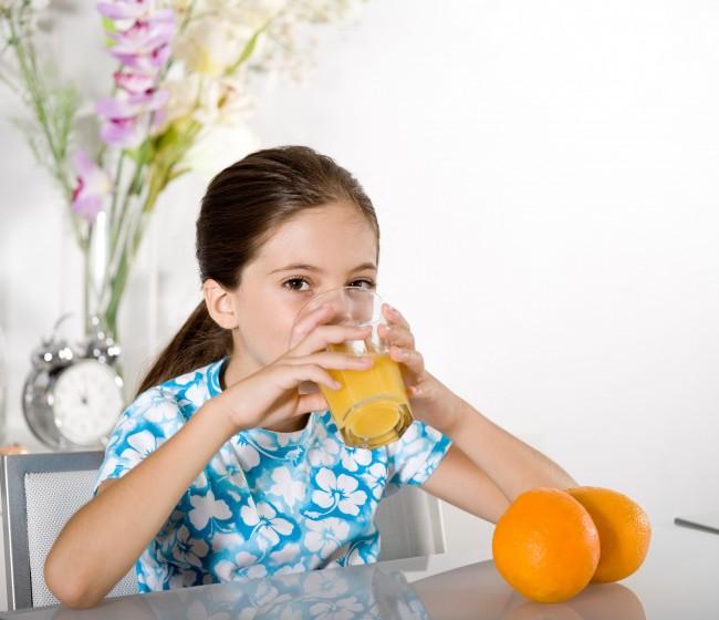 Andalucía, Murcia y C. Valenciana exigen a Garzón aclaraciones sobre los zumos de frutas y néctares sin azúcar añadido