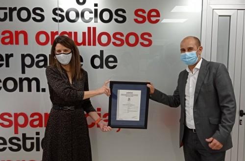 La cooperativa Ibercom recibe el certificado de bienestar animal Welfairde AENOR