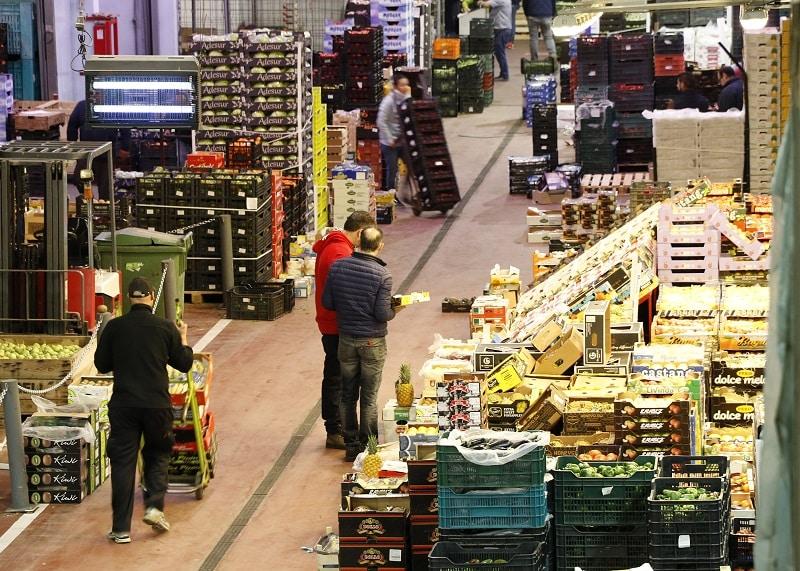 Frutas y hortalizas frescas, los alimentos que más bajaron precios de consumo en noviembre