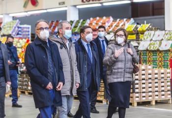 Planas visita Mercabarna y Biomarket y pone en valor el papel de los mercas en la pandemia