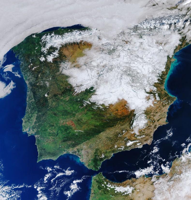 La mitad de España continúa con un manto de nieve