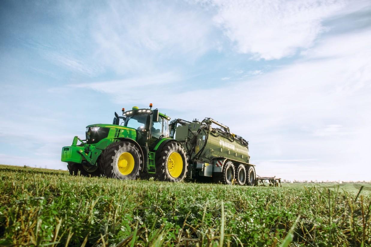 Deere anuncia un beneficio neto de 1.469 millones de euros en el segundo trimestre
