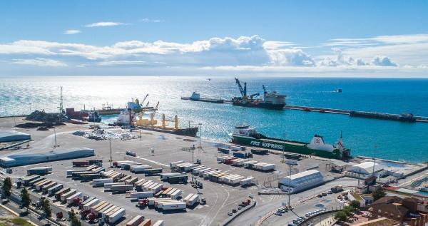 El superávit del comercio exterior agroalimentario marcó un récord de casi 17.340 M€ en 2020