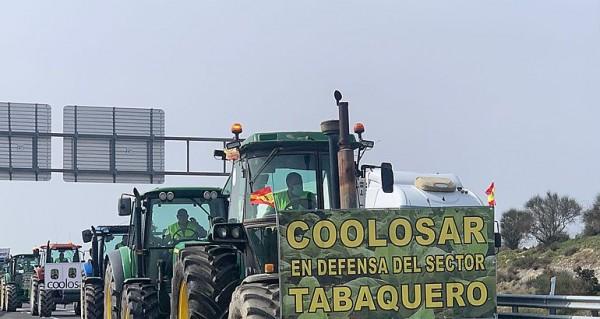 El sector tabaquero extremeño pospone las movilizaciones a la espera de reunirse con Planas