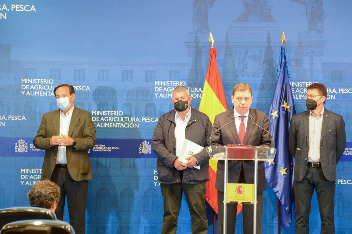 Planas hará un «esfuerzo extra de diálogo» para negociar el proceso de convergencia de las ayudas PAC de 2022