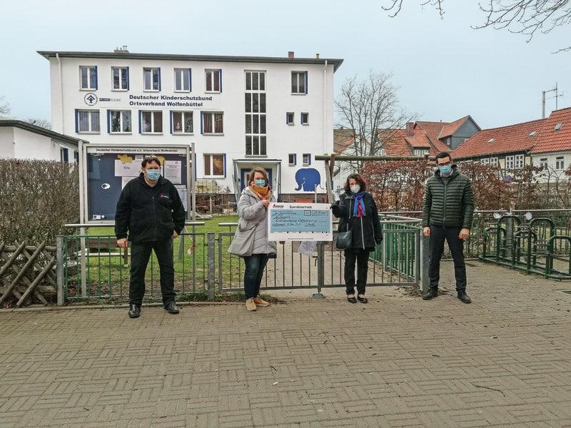 La fábrica de Agco en Wolfenbüttel dona 15.000 euros a una asociación infantil