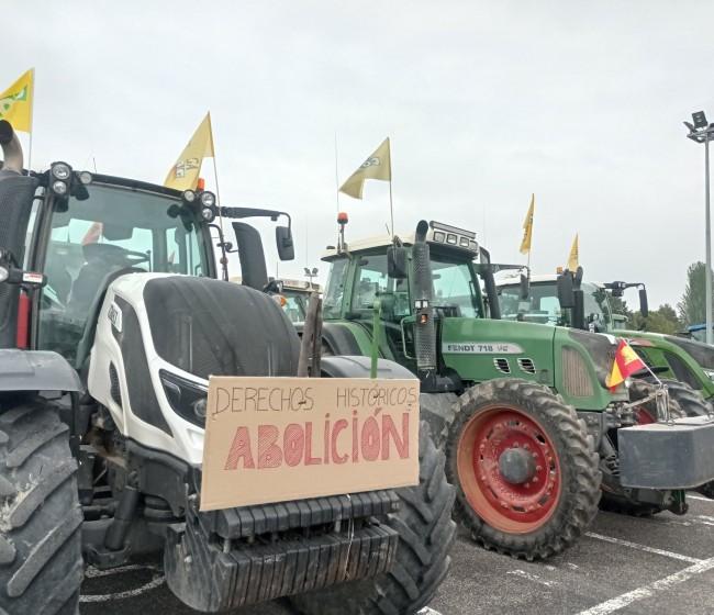 Tractoradas dispares en Huesca y Jaén en protesta ante la reforma de la PAC