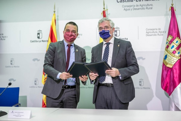 Castilla-La Mancha y Aragón firman un acuerdo-marco en el que piden eliminar los derechos históricos de la PAC 2023-2027