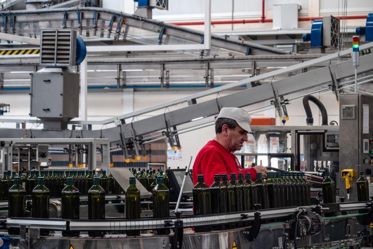 La producción comunitaria de aceite de oliva  queda en poco más de 2Mt en 2020/21