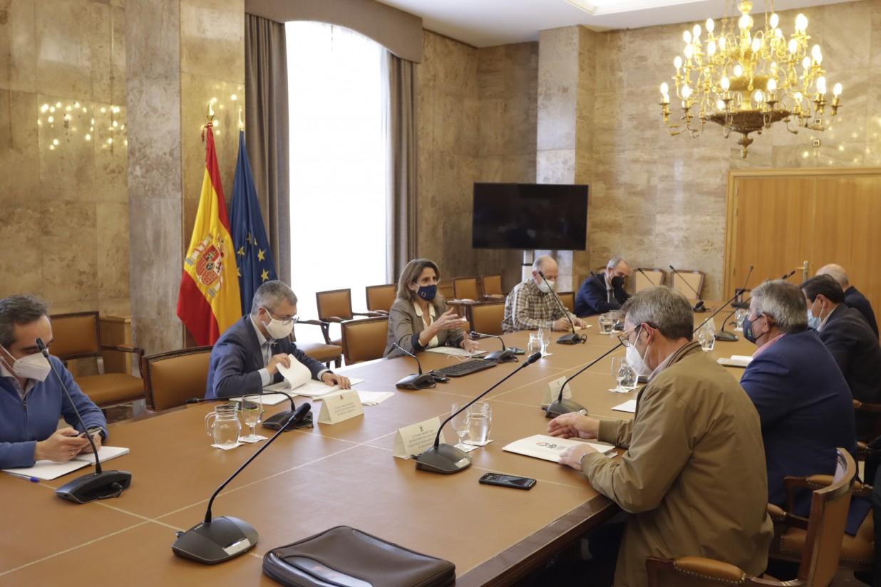 """Las OPAs mantienen las protestas ante la negativa de Ribera de """"dar marcha atrás"""" en la inclusión del lobo en el LESPRE"""