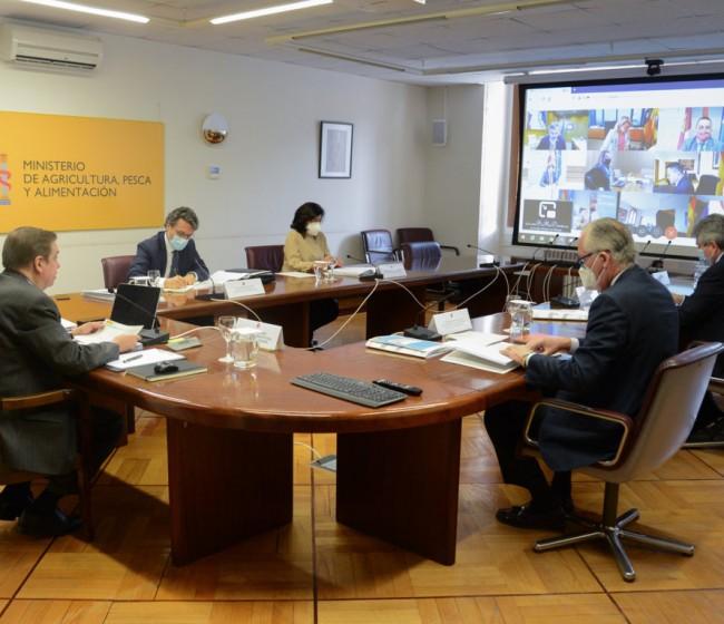MAPA y CC.AA. acuerdan distribuir casi 124 M€ de fondos para Desarrollo Rural y consumo escolar de frutas, hortalizas y lácteos