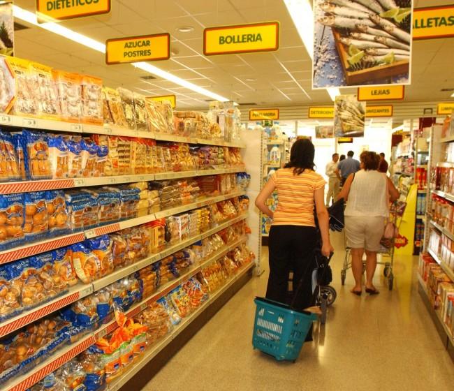 Los precios de consumo de alimentos y bebidas frenaron el IPC general de marzo