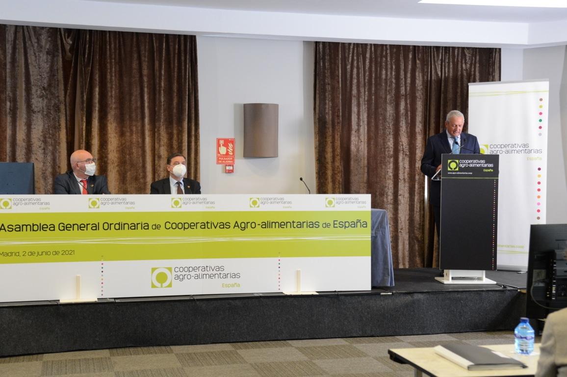 """MAPA y Cooperativas critican las formas en que la CE quiere imponer los objetivos """"verdes"""" en la próxima PAC"""