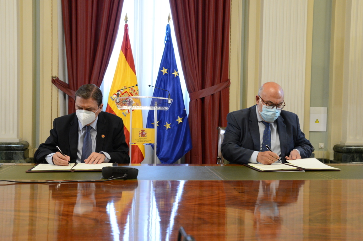 MAPA y Seiasa firman dos convenios para invertir 332 M€ de fondos públicos en la modernización de regadíos
