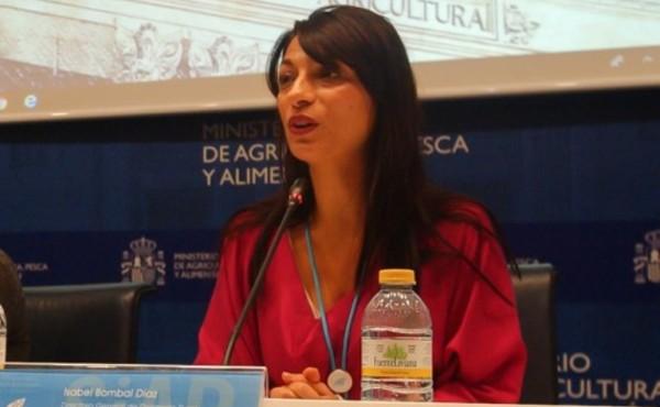 """Isabel Bombal Díaz: """"Tener alguna formación tecnológica digital para la actividad agraria es recomendable"""""""