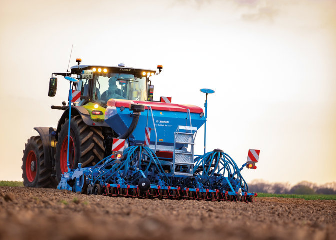 Nueva sembradora Solitair 9+ Duo de Lemken con tolva de semillas dividida