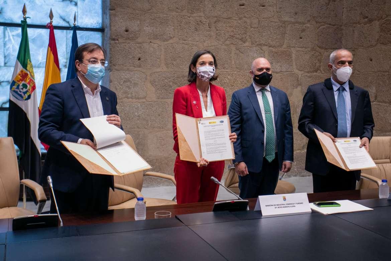 Firma del protocolo de intenciones para la azucarera de Mérida
