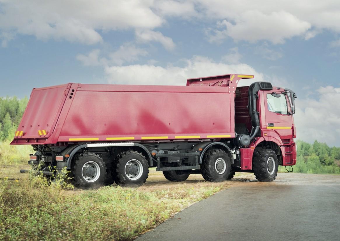 BKT lanza el nuevo Multimax MP 569, diseñado para el eje delantero de camiones agrícolas