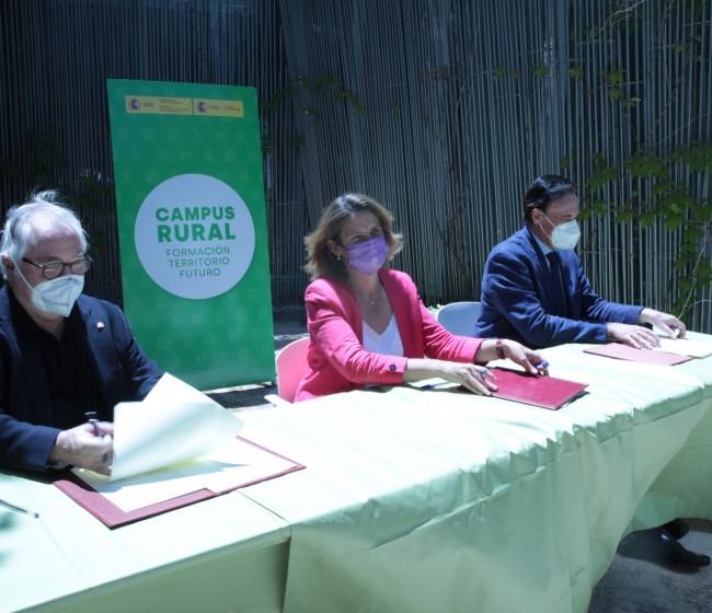 """Presentado el programa """"Campus Rural"""" para favorecer la inmersión y formación de universitarios en el medio rural"""
