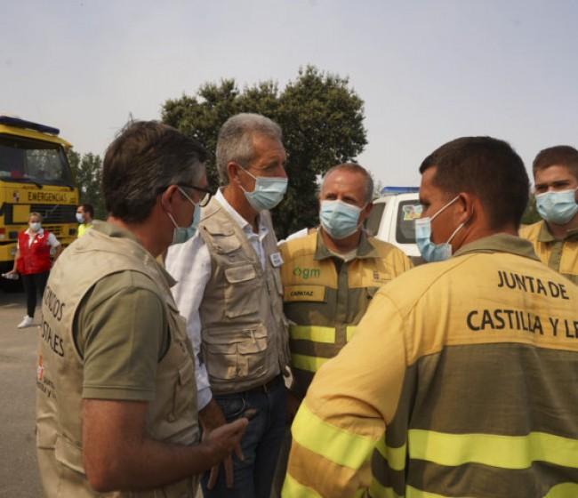 Arden más de 10.000 hectáreas en un incendio en la sierra de Gredos