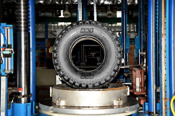 BKT inaugura una nueva fábrica de neumáticos en Waluj