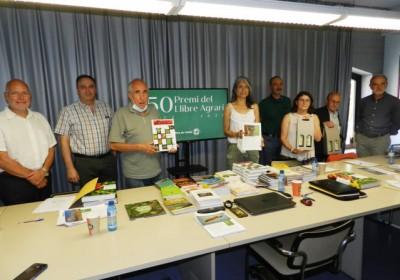 Plagas agrícolas, de Ferran García y Francisco Ferragut, gana la 50ª edición del Premio del Libro Agrario