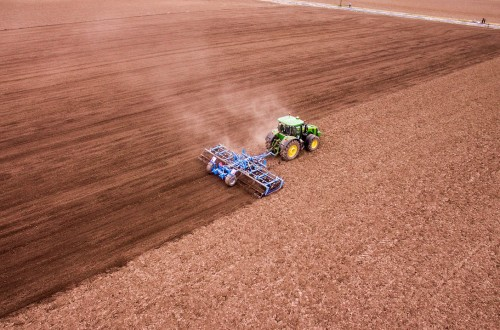 El debate sobre el agricultor profesional y la nueva PAC. Por Eduardo Moyano Estrada
